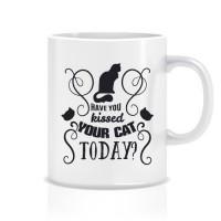 Kediye Öpücük Porselen Kupa